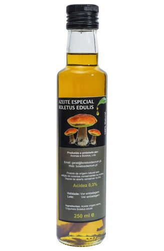 Olive oil flavored with Boletus edulis
